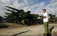 http://www.militaryparitet.com/forum/uploads/199/thumbnails/Cuban_T-55_with_SA-2_missile_news_02122006_006.jpg